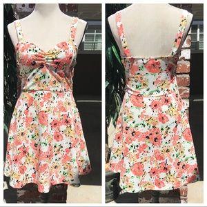 Sleeveless flowered dress